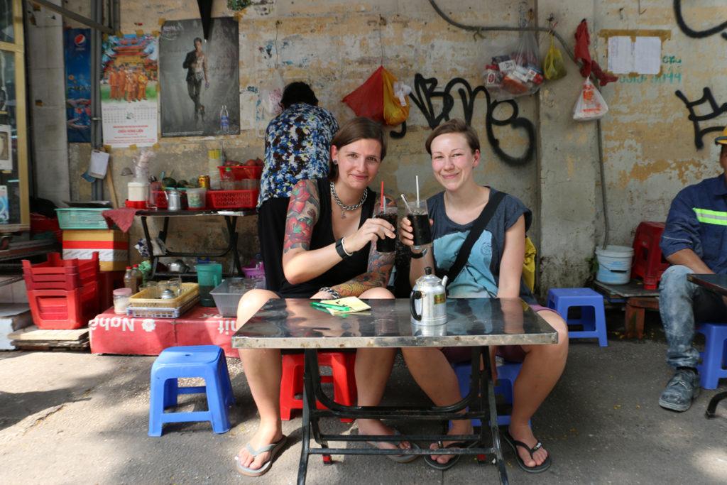 Kaffeekränzchen am Straßenrand